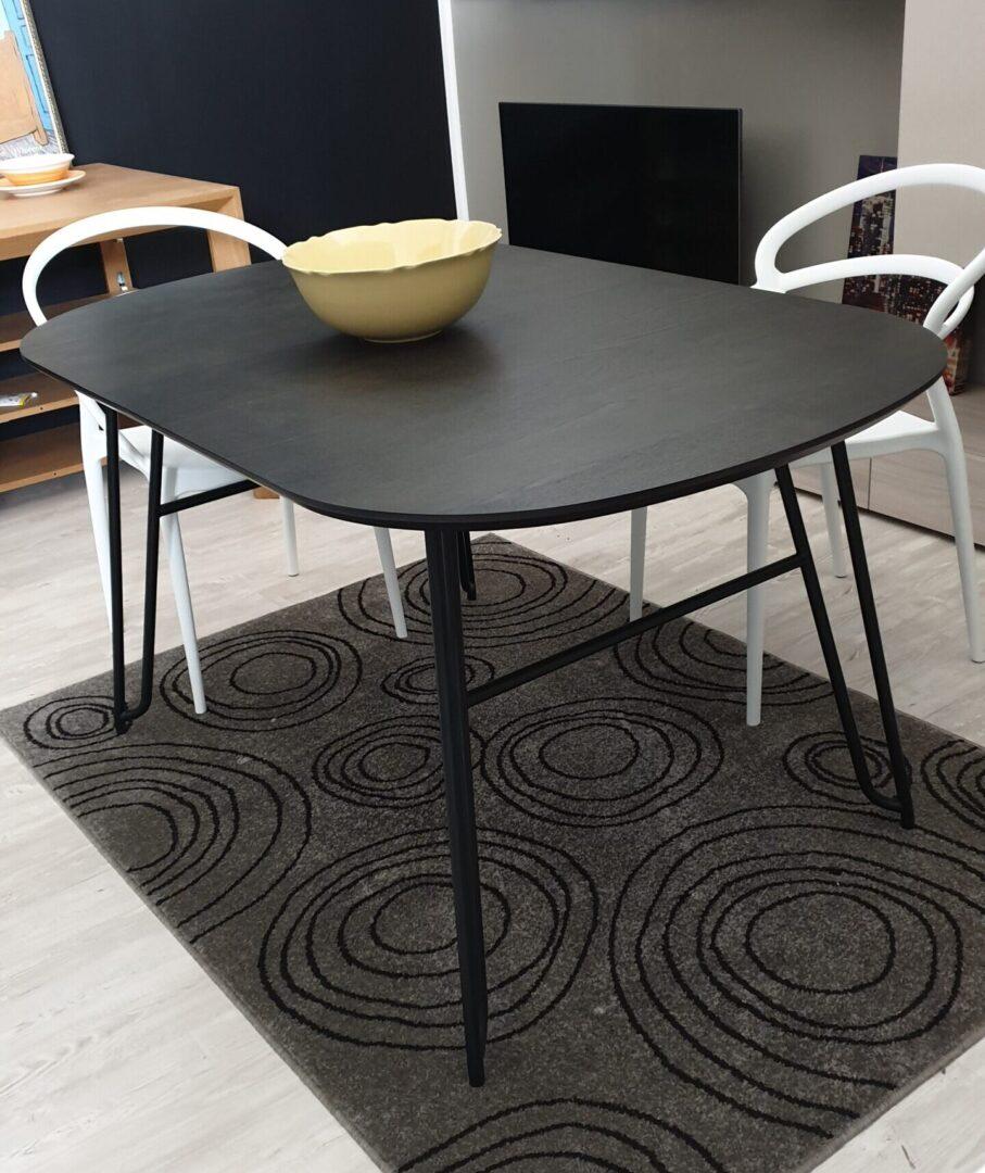 Tavoli e Sedie – Tavolo