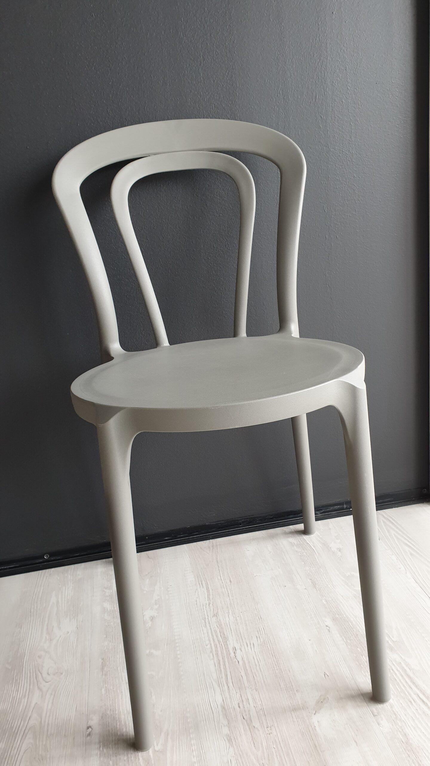 Tavoli e Sedie – Sedia